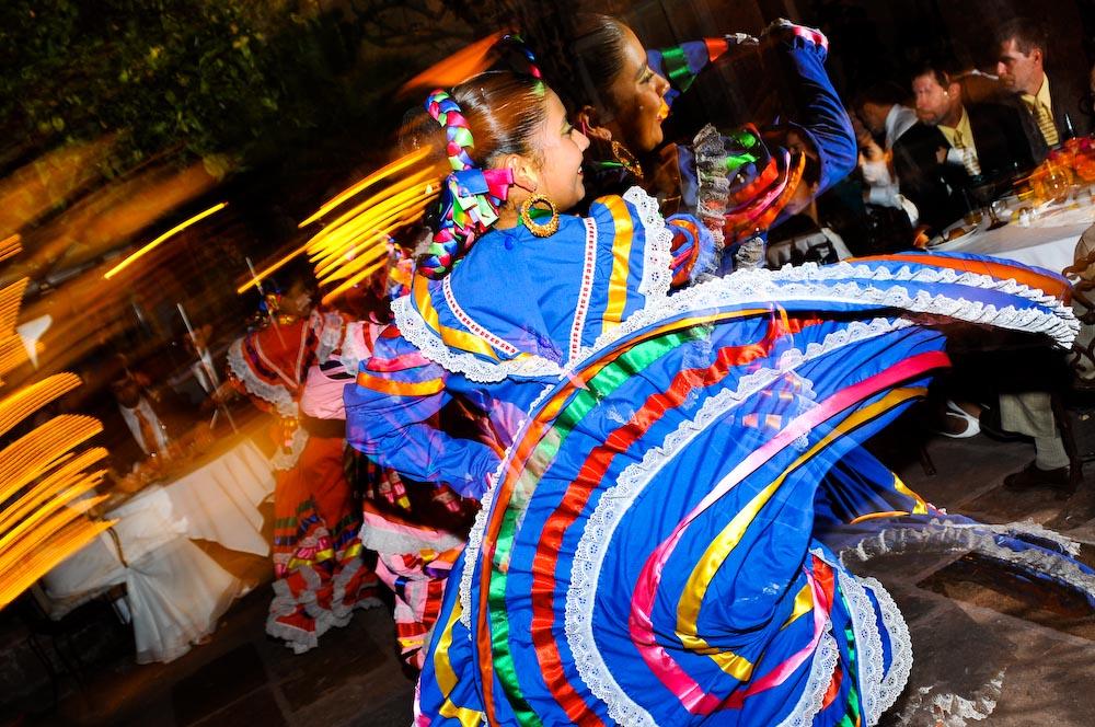 mexican dancer by michael amici, san miguel de allende photographer